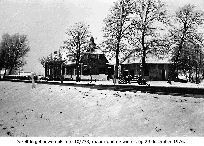 school-aan-de-rijksstraatweg-in-de-winter